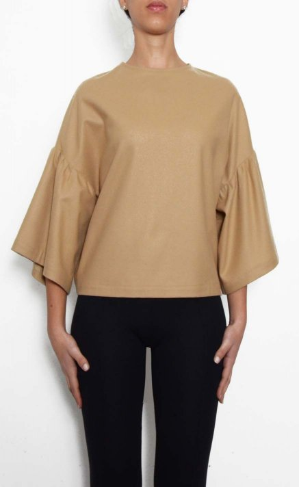 Powder top with puff sleeves